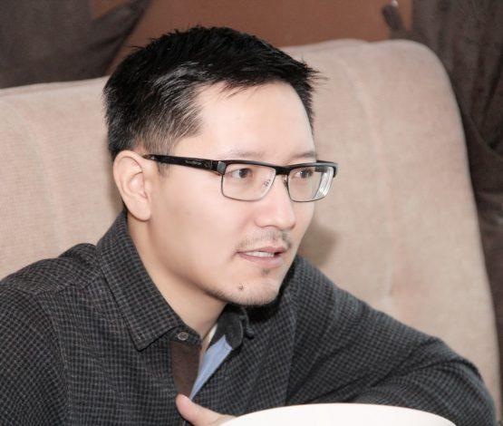 Өркен КЕНЖЕБЕК: «Біраз блоггер билікпен жұмыс істеуді өзіне ар көреді»