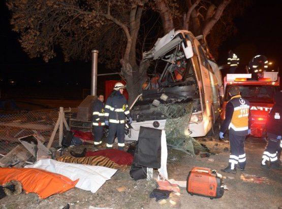 Түркияда жол апаты болып, 11 адам мерт болды