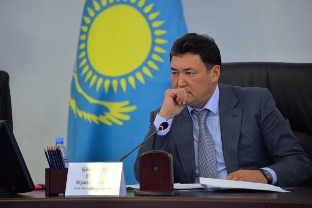 Павлодар облысының әкімі Болат Бақауовтың блогерлері