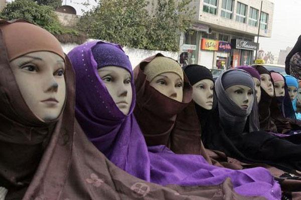 Өзбекстан хиджаб жайлы алғашқы істі қарап жатыр