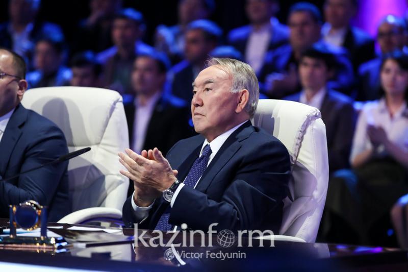 """Президент """"Қазастанның 100 жаңа есімі"""" жобасының жеңімпаздарымен жүздесті"""