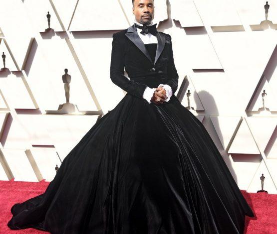 """""""Оскар-2019"""": Қызыл кілемге ерекше киіммен шыққан кім?"""