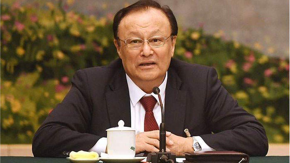 Қытайдағы лагерьлерде қамалған адамдар саны қанша?