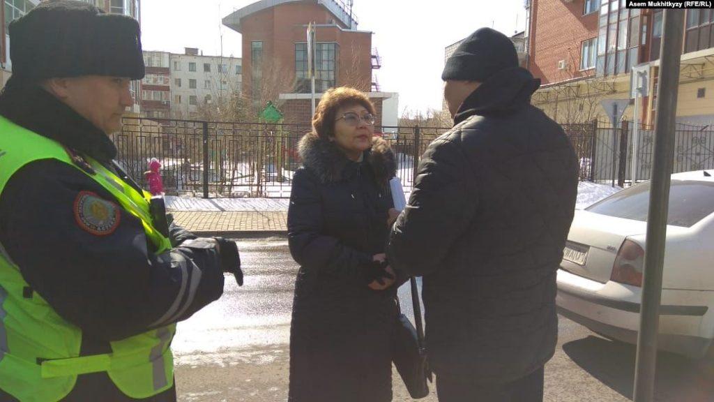 """Астана атауын """"Нұр-Cұлтан"""" деп өзгертуге қарсылық танытпақ болған адамдарды полиция ұстады"""
