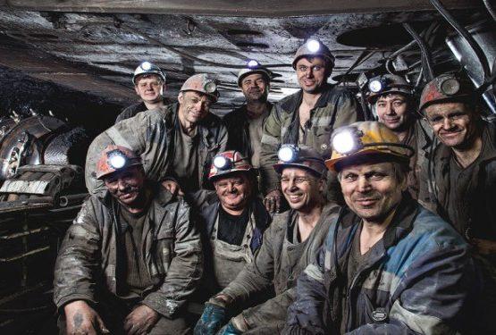 Қарағанды шахтерлері Тұңғыш президент – Назарбаевқа үндеу жолдады: Сізге сеніп келдік