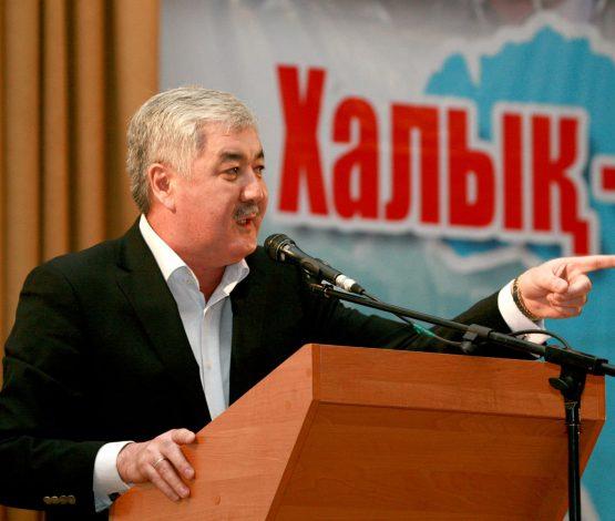 Әміржан Қосанов: Қазір халық пен оппозиция сөздері синоним болып кетті