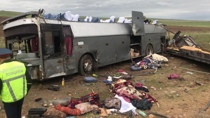 Қордайда автобус жол апатына ұшырап 11 адам қаза тапты
