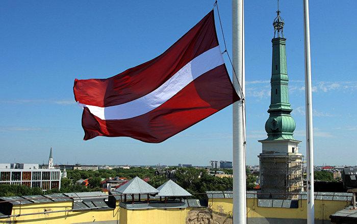 Латвия орыс мектептерін түгелдей латыш тіліне көшіреді