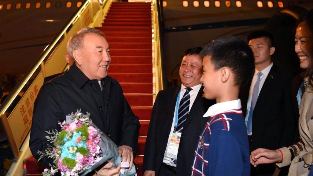 Қазақстанның бірінші президенті Қытайға барды (видео)