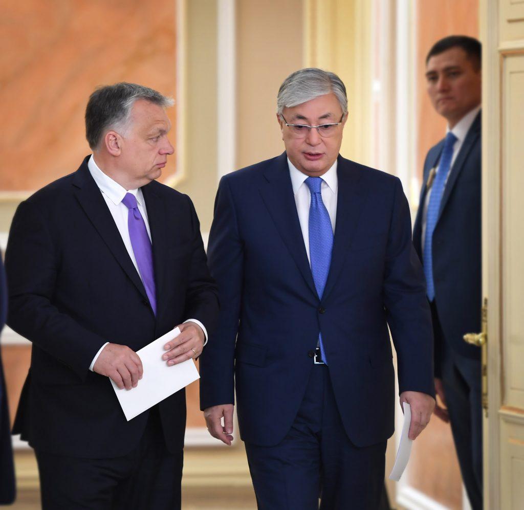 Мажарстан премьер-министрі В.Орбан Н.Назарбаев қабылдаған соң, президент Тоқаевпен кездесті