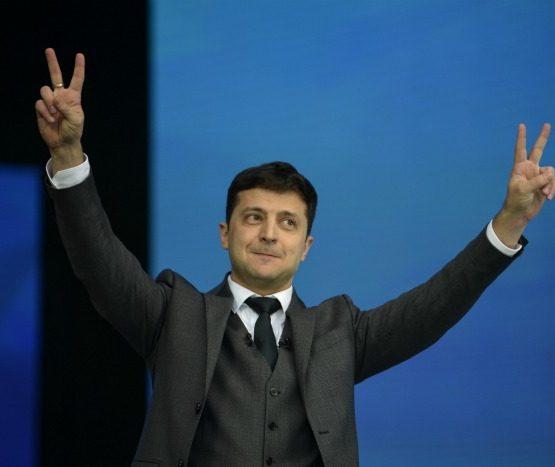 Украина президент сайлауы: Зеленский жеңісін тойлап, Порошенко жеңілісін мойындады – экзит-полл