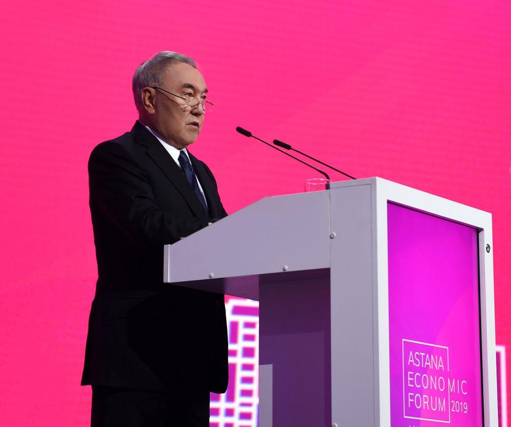 Н.Назарбаев: Мен кандидатурамды ұсынып, жүз пайыз сеніммен қайта сайланар едім…