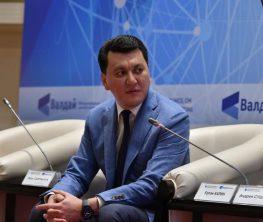 Ерлан Қарин: Қазақ тілі саяси коммуникацияның негізгі құралына айналуда