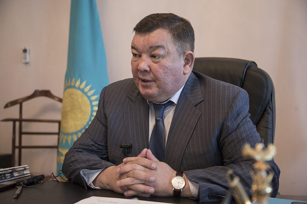 Амандық Баталовтың орынбасары Б.Манзоров пара алды деген күдікпен ұсталды ма?