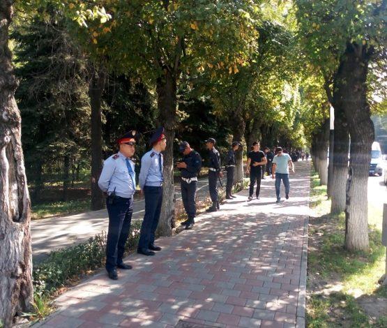 Митинг: полиция 57 адам ұстады