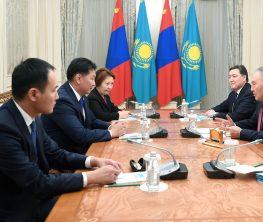Назарбаев Моңғолия прьемер-министрімен кездесті