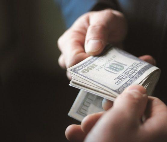 """""""Пара алды"""" деп айыпталған шенділер: Кім қанша миллион төледі?"""