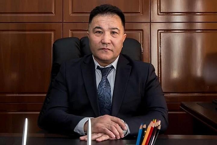 Назарбаевқа арнап ән жазған адам қала әкімі болып тағайындалды (видео)