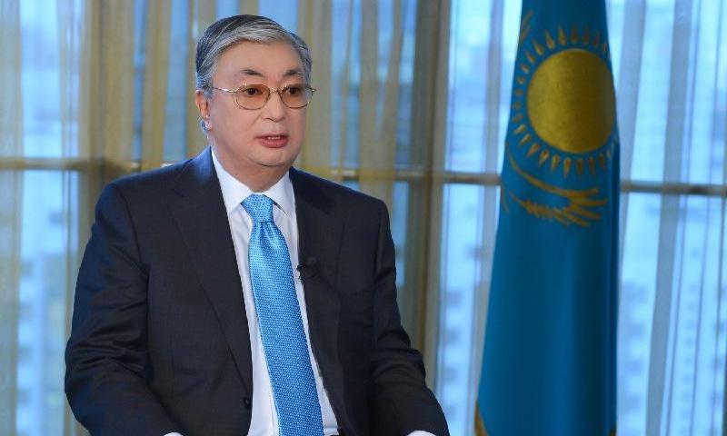 Тоқаев шетел басылымына Назарбаевтың бейнесінде елдің әкесін көретінін айтты