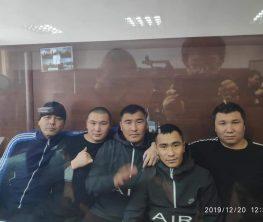 Қытай жұмысшыларын сабады делінген бес қазақтың соты басталды