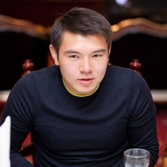 Айсұлтан Назарбаев Қазақстан халқынан миллиардтаған ақша ұрланғанын айтты