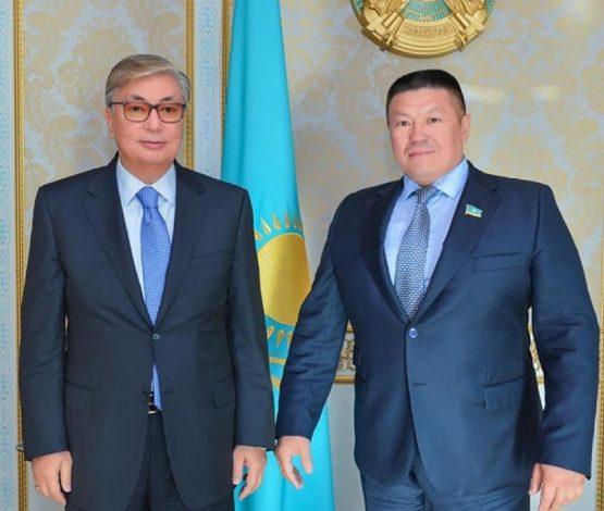 Басы дауға қалған депутат Тоқаевтың президент қызметін жоғары бағалады