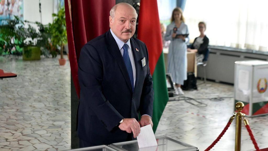 Лукашенко: Мен кетпеймін, бәрінің артында Америка тұр