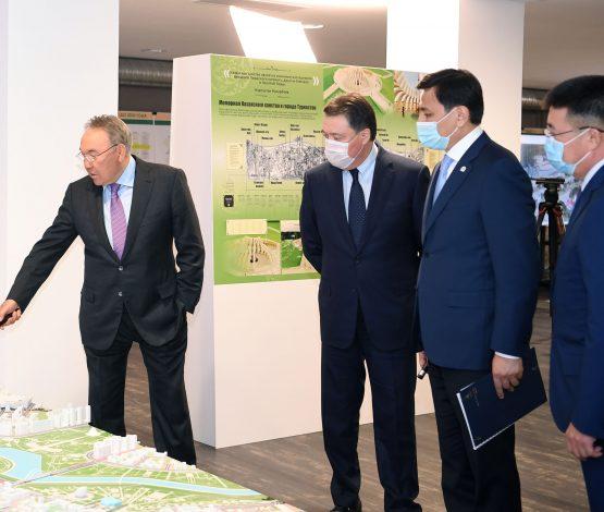 Назарбаев Мәминді ертіп, Көлгіновтың жоспарымен танысты