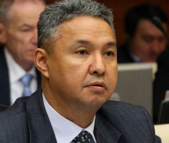 Назарбаев кеткенде жылаған Перуашев жүйеге қарсы шықпақшы ма?