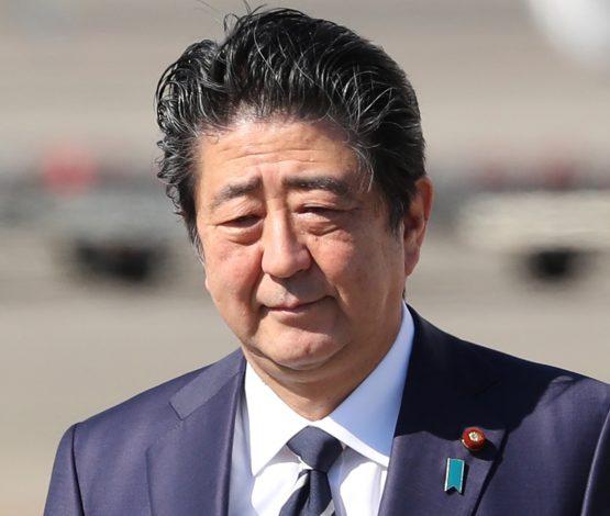 Абэ өз командасымен отставкаға кетті