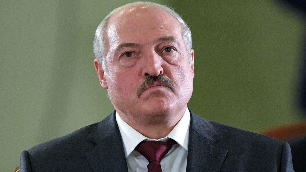 Лукашенко билігі халыққа оқ атуға дайын екенін айтты