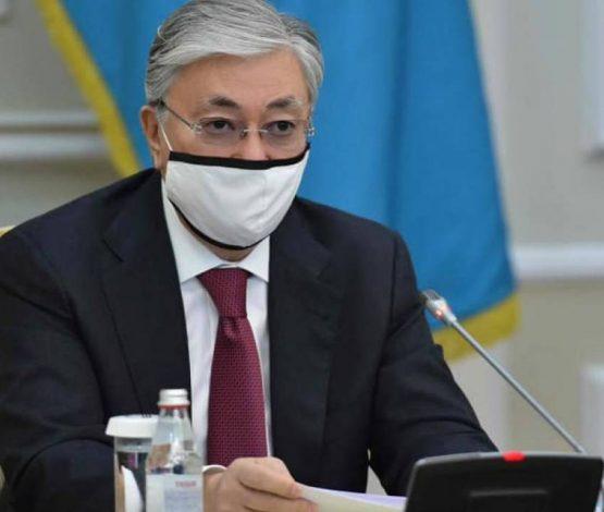 Тоқаев: «Вакцина егу керек, басқа жол жоқ»