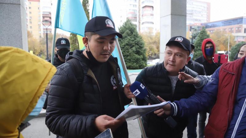 Жастар «Борат-2» фильмін прокаттан алып тастауды талап етті (видео)