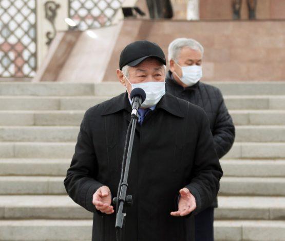 Монумент ашқыш Сапарбаев Ақ Ордадан гөрі «Кітапханаға» көбірек иек артады…