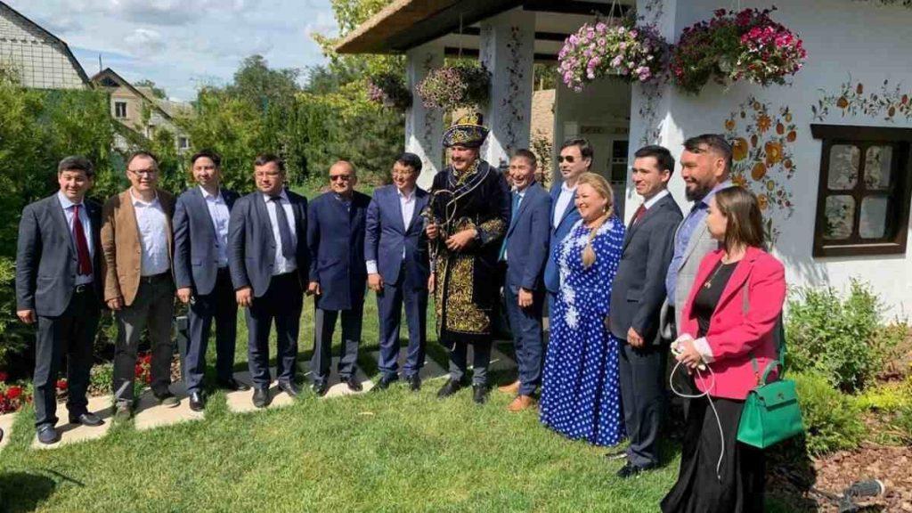"""Саакашвилимен кездескен """"Нұр Отанның"""" депутаты жаңа партия құрмақшы"""