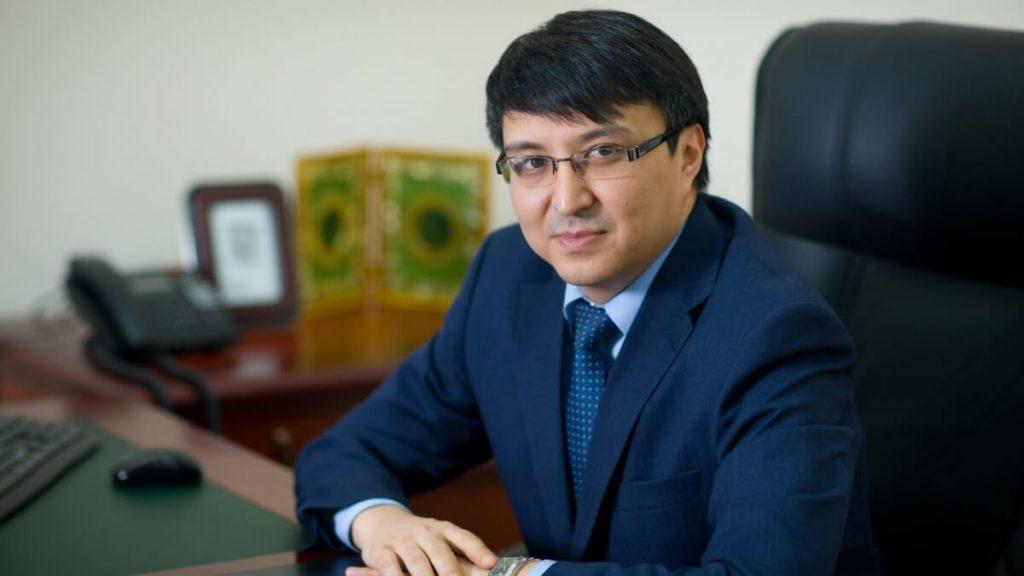 """Әлтаев """"Нұр Отаннан"""" шығарылып, депутат мандатынан айырылды"""