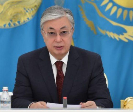 «Жұмыс көп»: Тоқаев әкімдерге вакцинаға қатысты дүрбелеңнің алдын алуды тапсырды