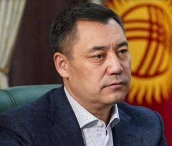Жапаров: Қырғызстанда 30 жылда 300 адам мен олардың отбасы байып, қалғаны әдбен кедейленген