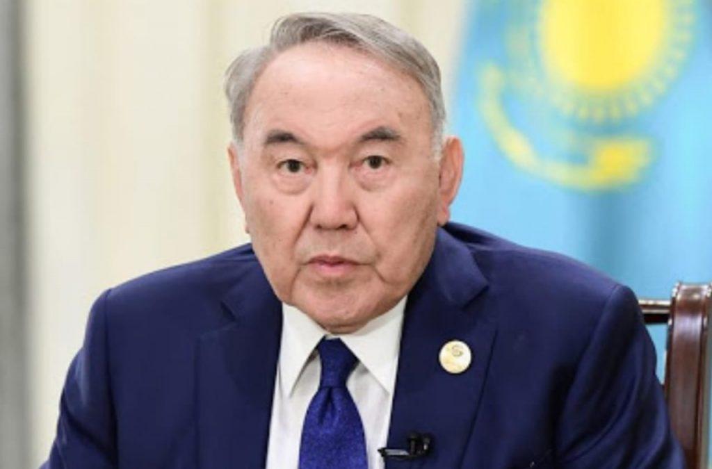 Назарбаев: Революция, соғыс деп жүрсек ел дамымайды