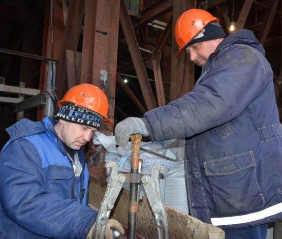 «Бұл-біздің жеріміз»: Комбинат жұмысшылары Тоқаевтан қорғаныш сұрады