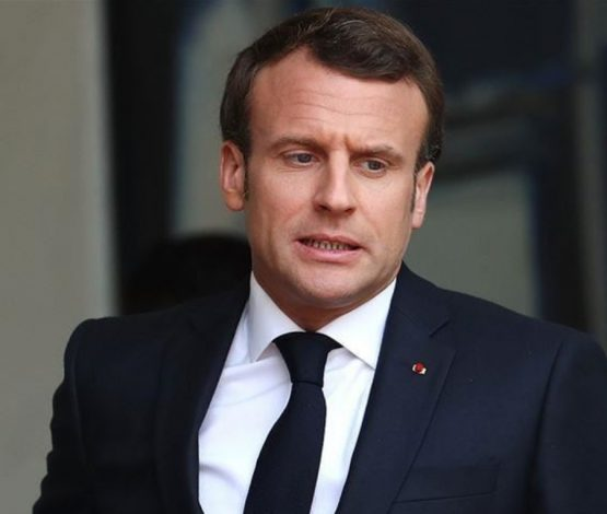 Ер адам Франция президентін шапалақпен тартып жіберді