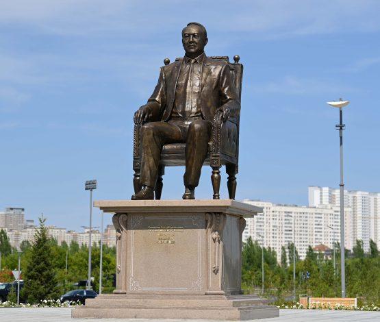 Назарбаев Тәуелсіздіктің символы ма?