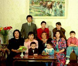 Назарбаев күйеу баласының елді тонап, ақша бопсалаған қылмыскер екенін айтты